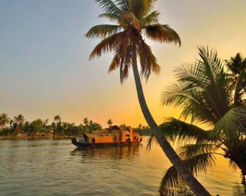 Houseboat-on-Alleppey-Backwaters
